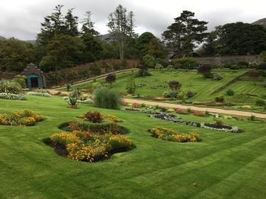 victorian-garden3
