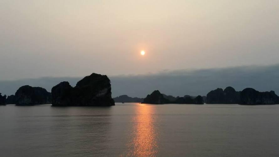 5_halong-bay-vietnam2-april2015