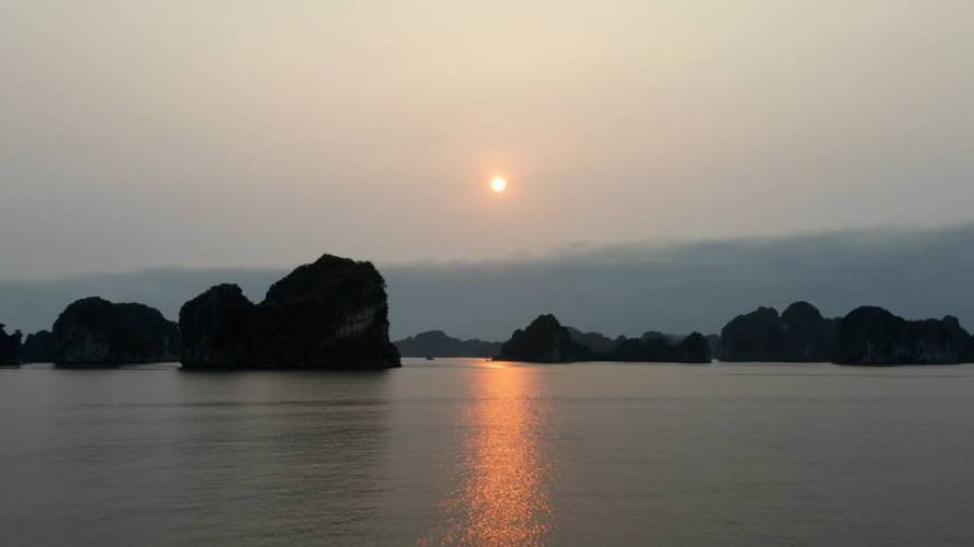 5_halong-bay-vietnam2-april2015