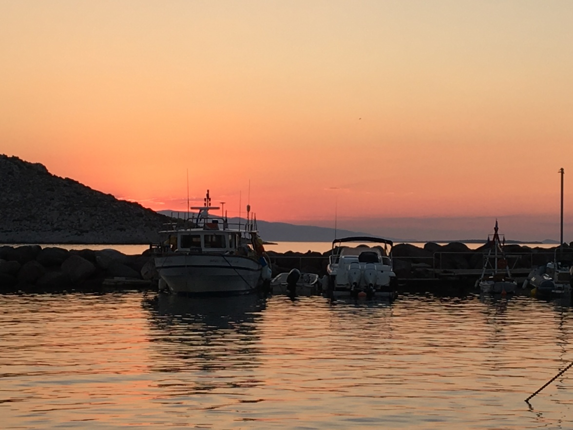 aegina-harbour-sunset