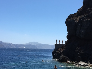 santorini-amoudi-jumps