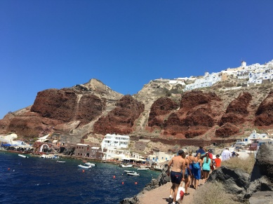 santorini-amoudi-red-rocks
