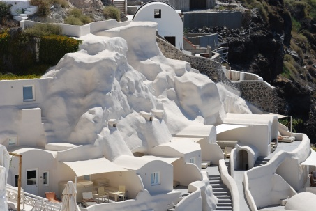 santorini-hobbit-house