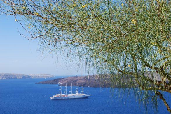 santorini-ship-willow