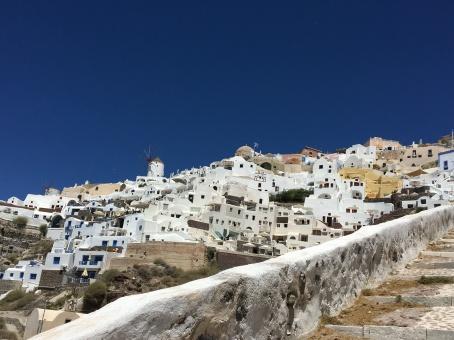santorini-stairs-amoudi-view