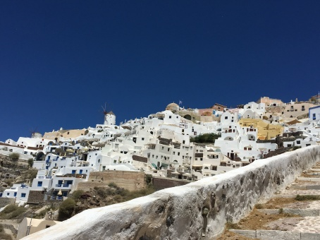 santorini-stairs-amoudi-view