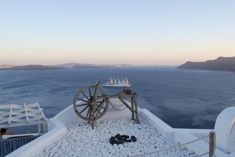 santorini-wheel-boat