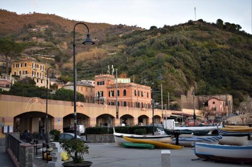 monterosso=vecchio-piazza2