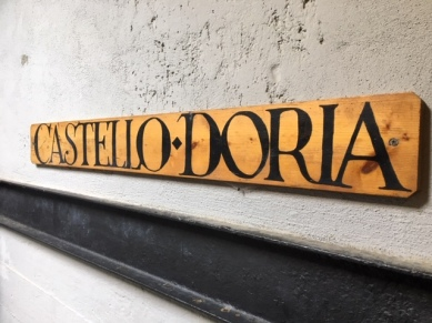 vernazza-doria-sign